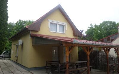 Bánom kertben 4 szobás szigetelt téglaépítésű ház eladó nagy terasszal