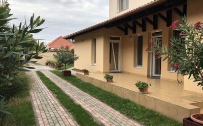 Fürdőövezetben 6 szobás gyönyörű családi ház eladó