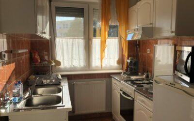 Kölcsey utcán földszinti 2 szobás társasházi lakás eladó