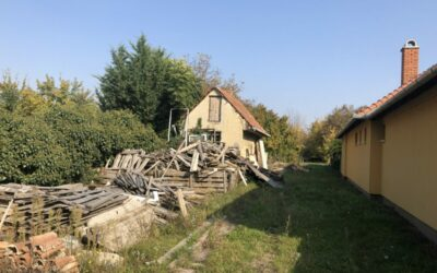Kertvárosi telek bontandó házzal eladó