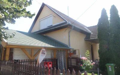 2002ben épült téglaépítésű szép ház eladó bolttal