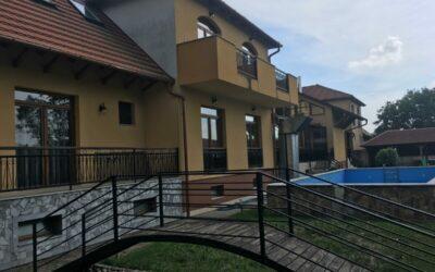 2011ben épült 32 szobás szálloda eladó étteremmel berendezéssel