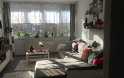 Francia típusú 3 szobás 2 emeleti nagy erkélyes, szép lakás eladó