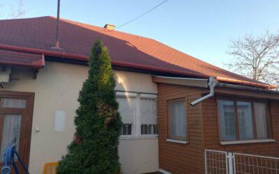 Arany János utcán 3 szobás családi ház eladó térkövezett udvarral