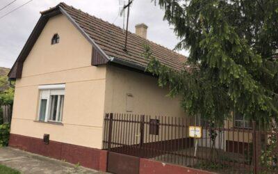Keleti utcán 106 m2-es, 2+1 szobás felújítandó családi ház eladó