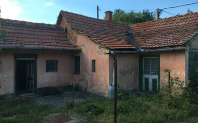 Erzsébet utca környékén eladó felújítandó vagy bontandó ház