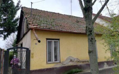 Rákóczi utcán óvoda környékén eladó kis telek bontandó házzal
