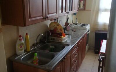 Szilfákalja utcán eladó 1,5 szobás felújított fürdőszobás lakás