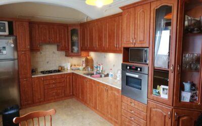 Bánomkertben 4 szobás téglaépítésű szép ház eladó nagy terasszal lakható mellékkel