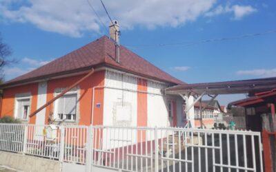 Hajdúszoboszlón eladó családi ház lakható mellékkel sörözővel