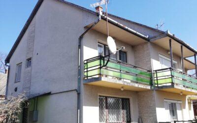 Bánom kertben 2 szintes 3 szobás kertkapcsolatos lakás eladó nagy terasszal