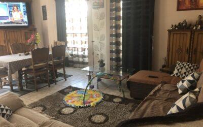 150m2-es 3+1 szobás nagy nappalis családi ház központ közelében eladó