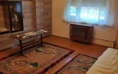 Kertvárosban 2 szobás beton alapon lévő téglaház eladó belső felújítással  új fürdőszobával