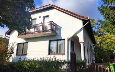 Árpád utcán eladó egy kiváló állapotú 2 szintes családi ház garázzsal kis kerttel nagy terasszal